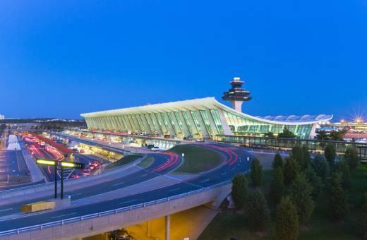 Vols pour les USA : Contrôles plus stricts, entretiens individuels à l'enregistrement... les passagers doivent prévoir d'arriver plus tôt !