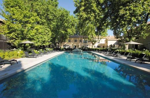 Séjournez au Domaine de Manville en Provence et découvrez l'Aupiho -1 étoile  Michelin
