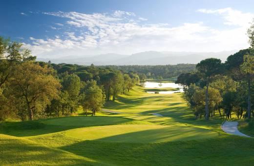 Early Booking et voiturettes offertes au PGA Catalunya Resort 5* !