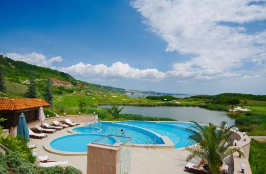 Découvrez le Thracian Cliffs Golf & Beach Resort en Bulgarie et profitez d'une offre
